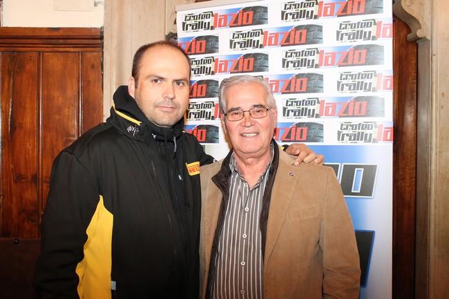 Massimiliano Rendina, campione mondiale rally produzione 2014 con il direttore di gara Gioacchino Cimmino